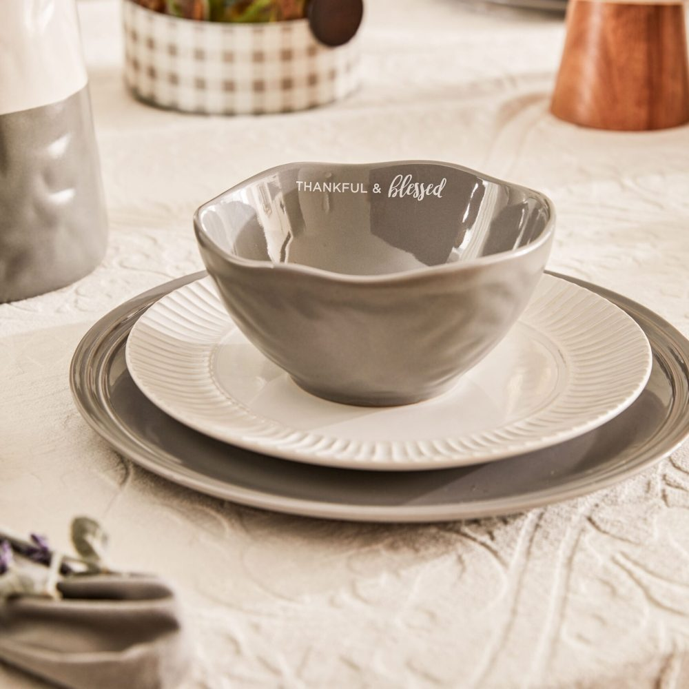 christian-gifts-women-table-place-setting